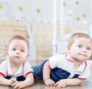 Развития ребенка в5 месяцев