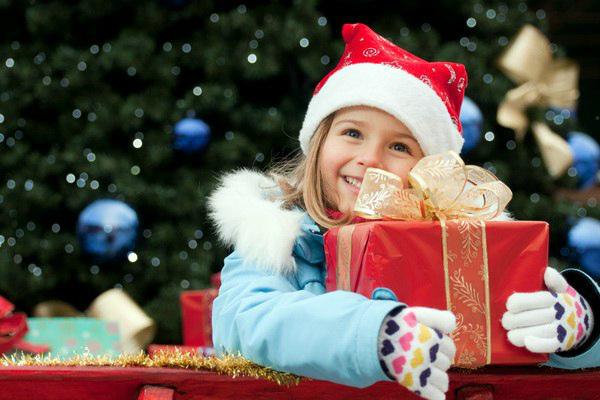 что подарить детям под елку