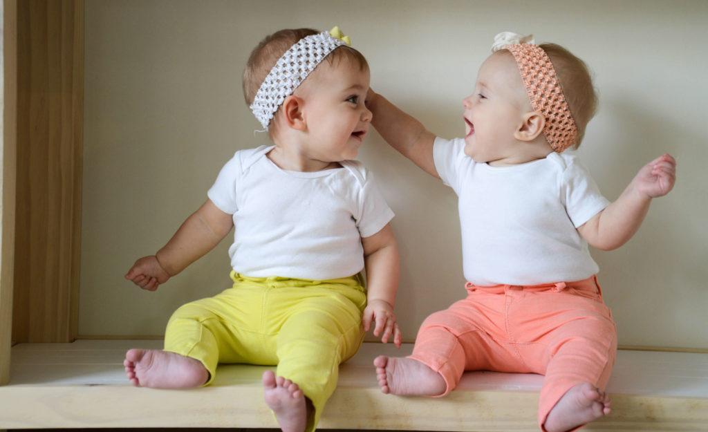 фото по какой линии рождаются близнецы