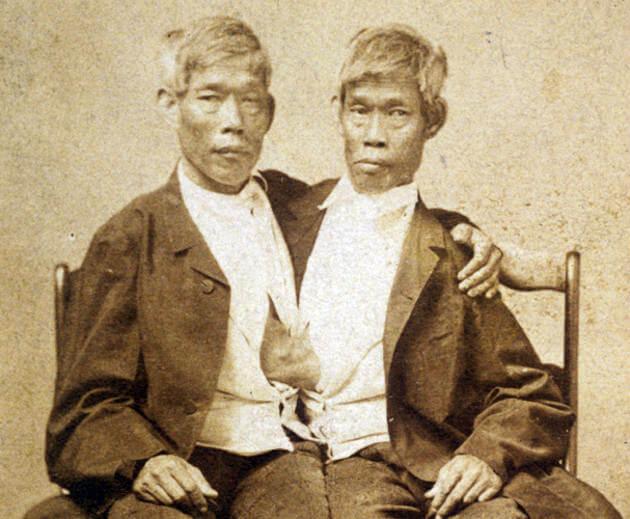 жизнь сиамских близнецов Чанг и Энг Банкеры