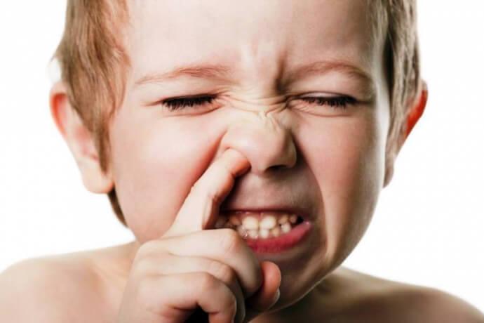 привычка ковырять в носу