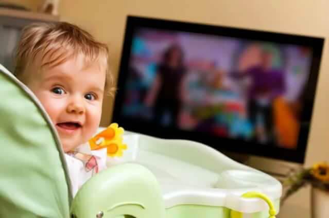 до года запрещено смотреть телевизор