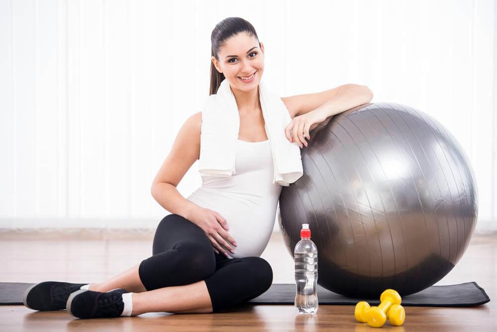 Упражнения беременных фитболе картинках
