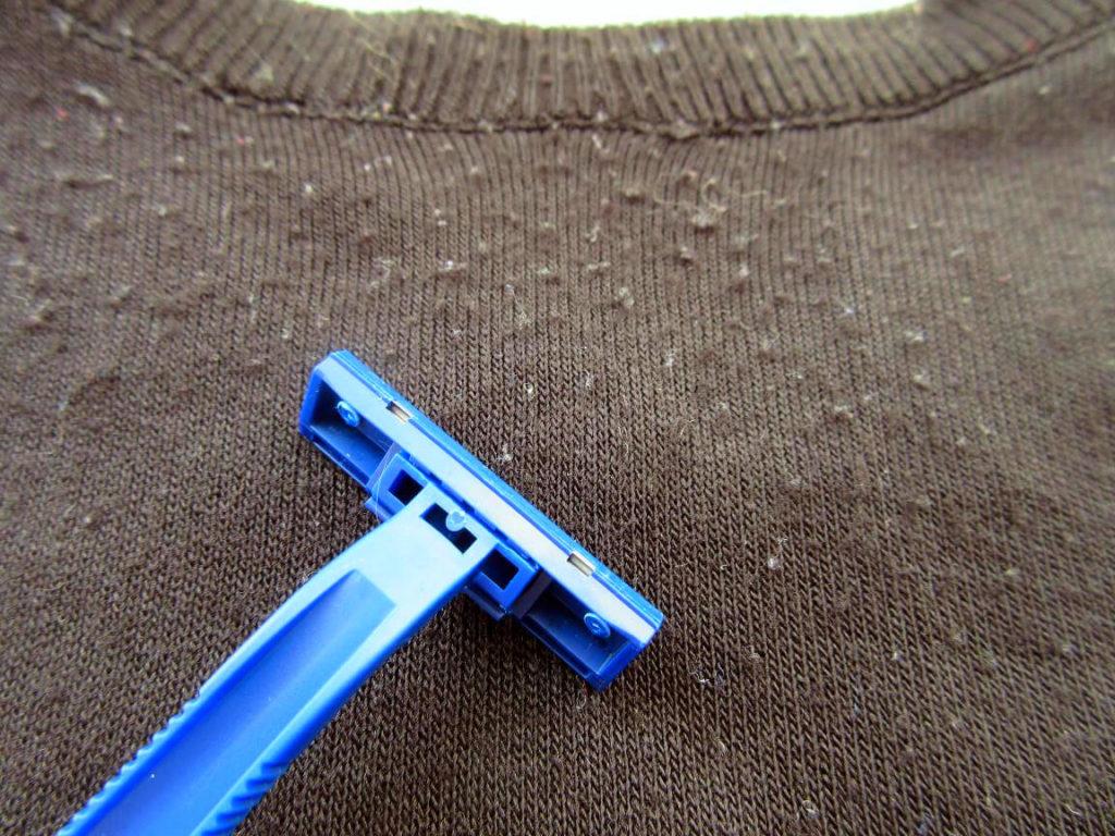 катышки на пальто и свитере