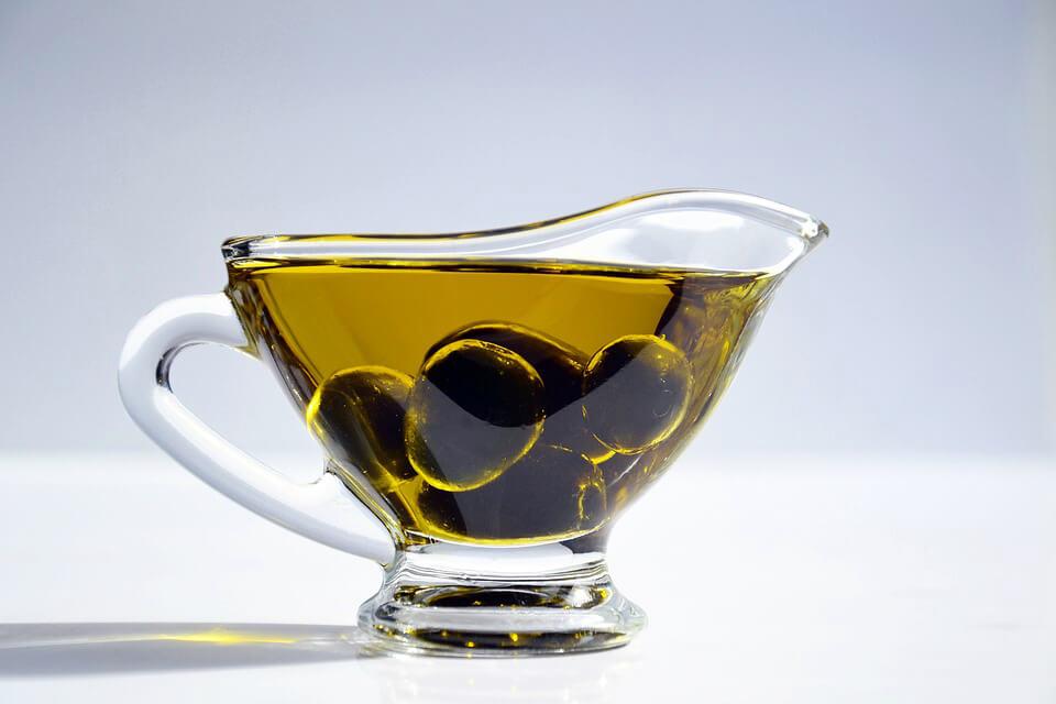 привлекательность с оливковым маслом