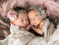 очаровательные близнецы фото