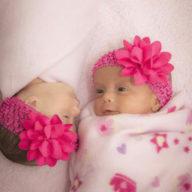 фото девочки близнецы