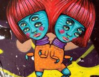 уличный рисунок близнецы