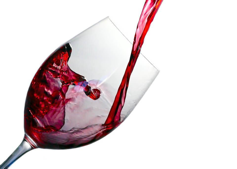 фото бокал красного вина
