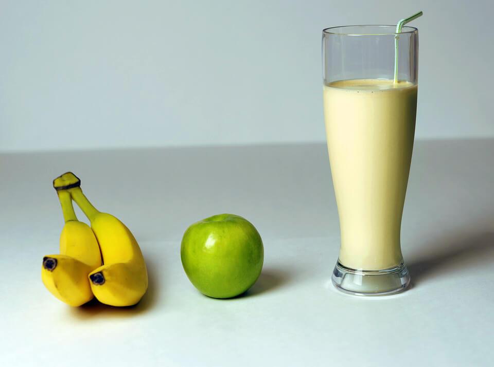 фото банан яблоко коктейль