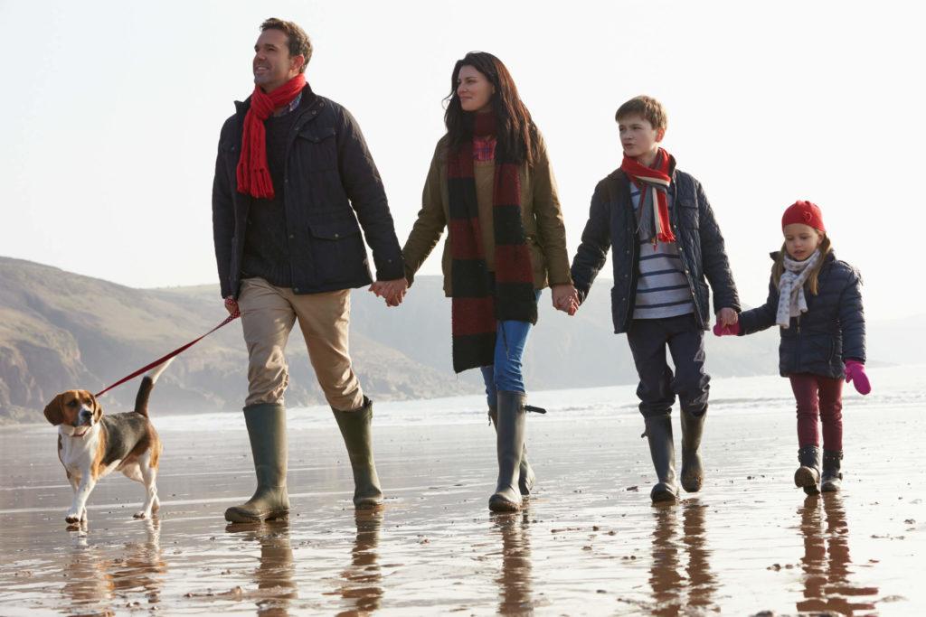 фото семья на прогулке