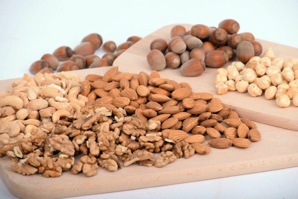 орехи повышают жирность молока