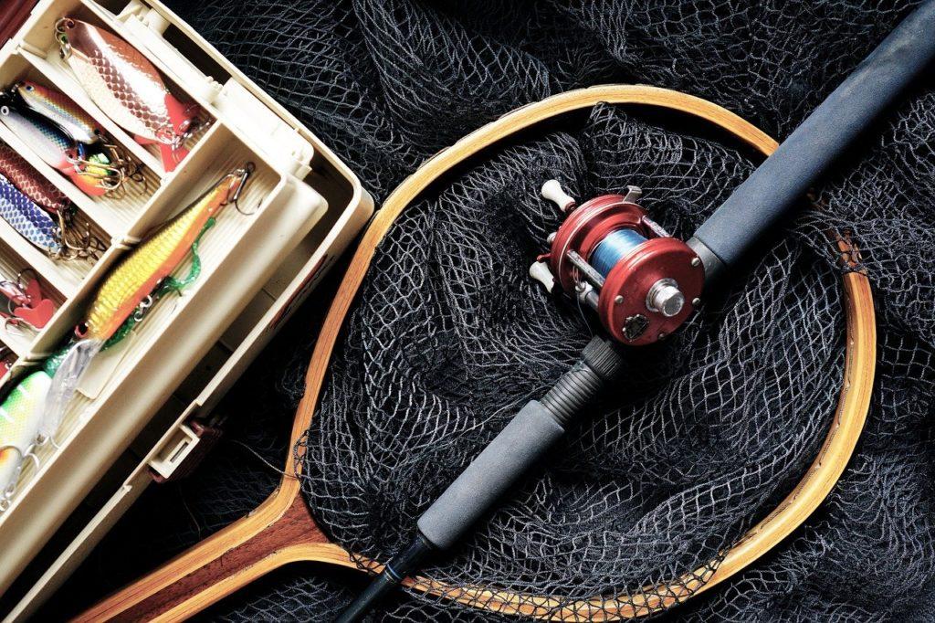 подарить мужчине рыбаловные снасти